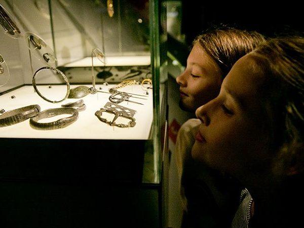 Kinderen Archeologie van Nederland Museumles Archeoloog
