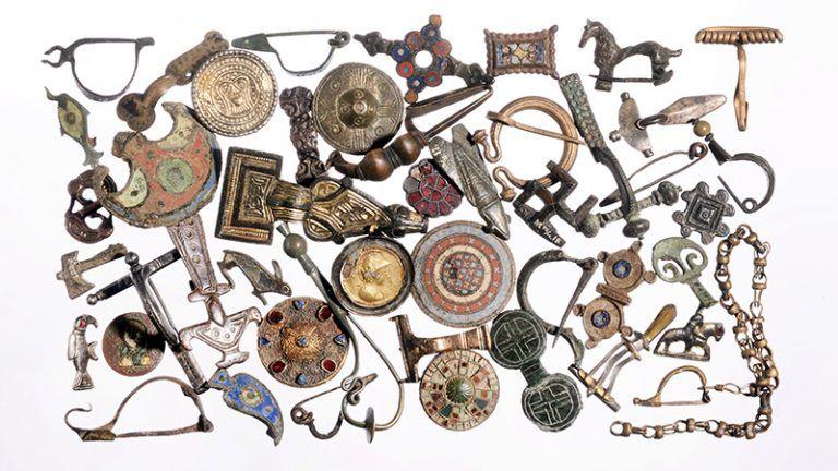 Fibula's Collectie Collectiezoeker middeleeuwen