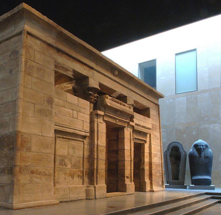 Wie zijn wij Museum Egyptische tempel Tempelzaal