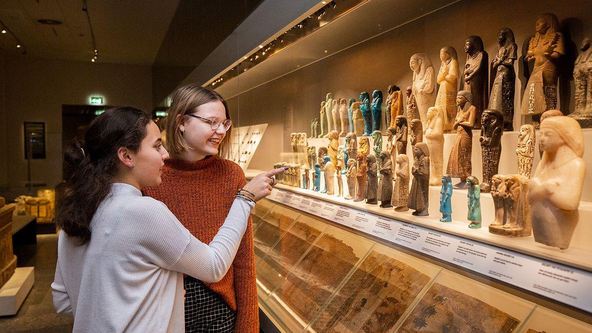 VO Egypte Museumles Egyptenaren